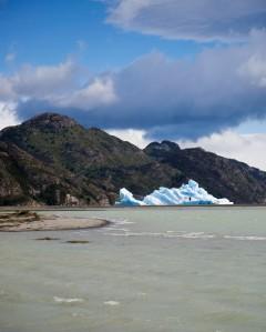 Iceberg on Lago Grey