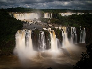 waterfalls from brasilian side